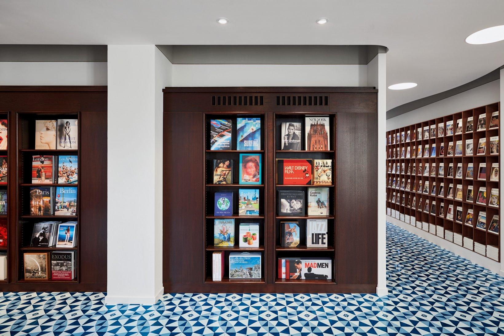 taschen verlag store berlin. Black Bedroom Furniture Sets. Home Design Ideas
