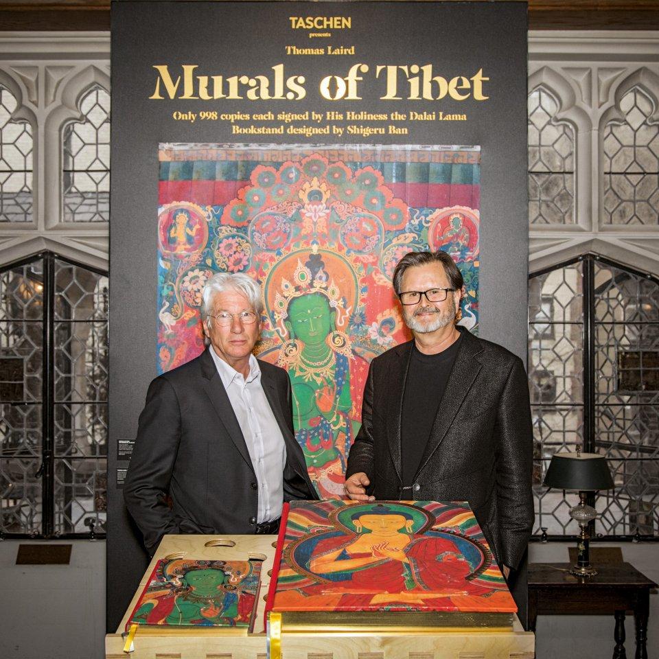 Murals of Tibet en el Explorers Club de Nueva York. Libros TASCHEN
