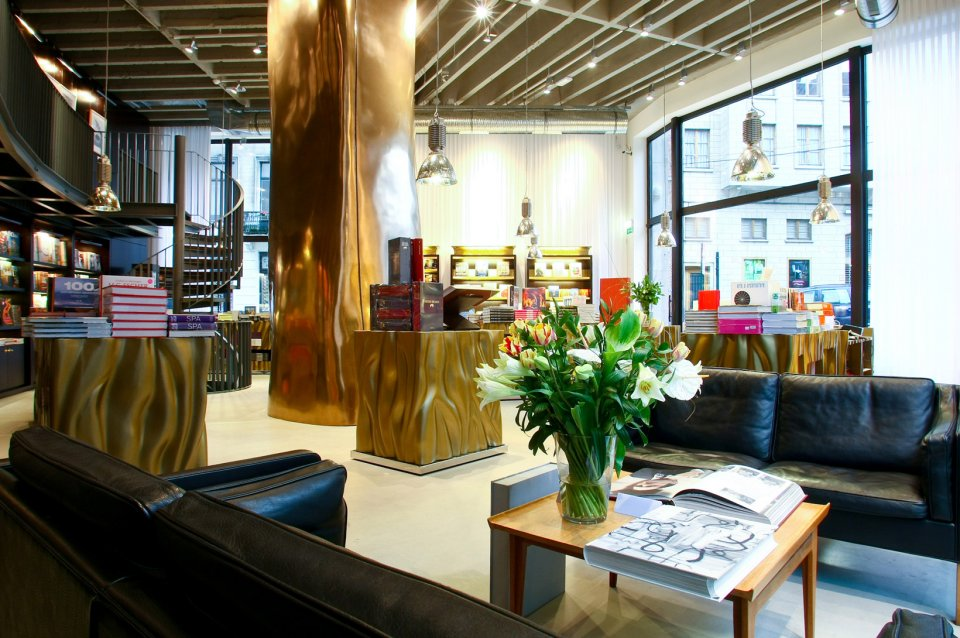 Taschen books store brussels for Architecture interieur bruxelles