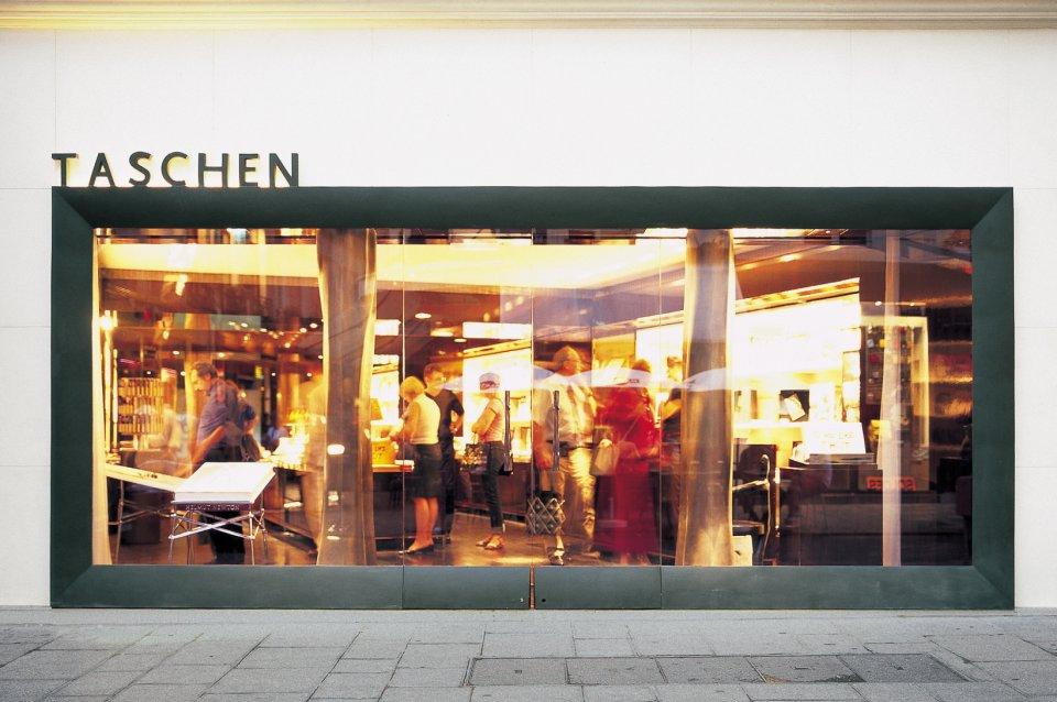 taschen books store paris. Black Bedroom Furniture Sets. Home Design Ideas